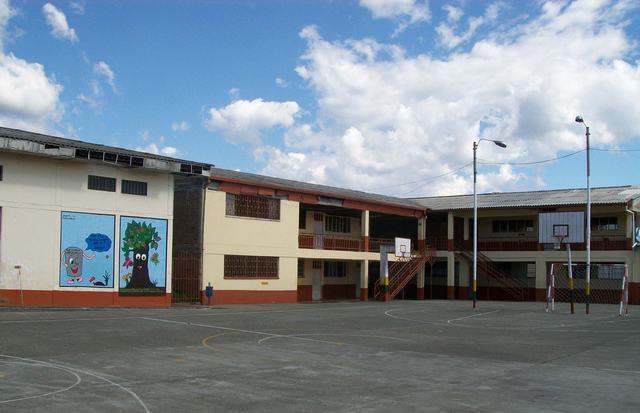 Sede Principal Liceo Mixto 5
